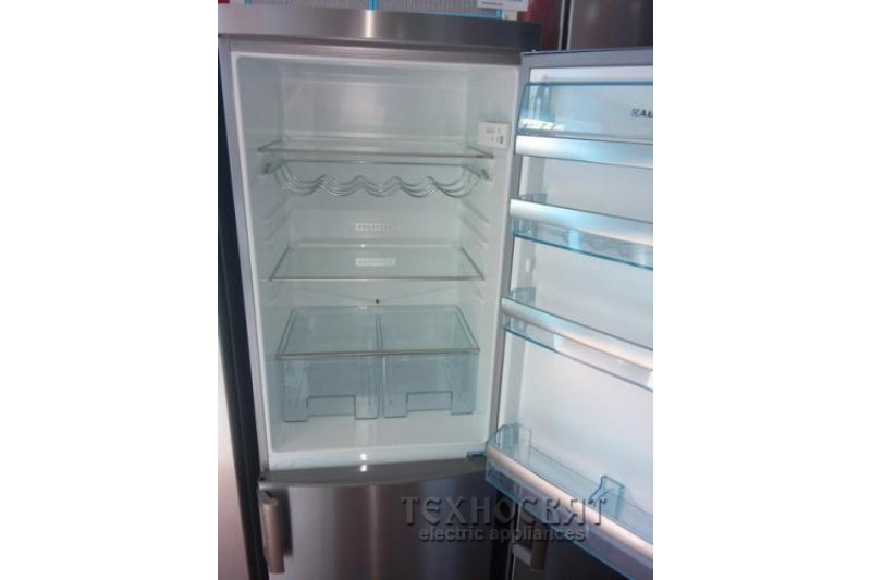 Хладилник с фризер AEG S73200CNS1