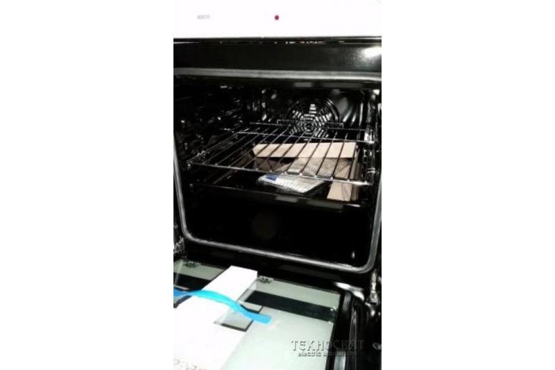 Готварска печка с керамичен плот OK. OFC 662-W