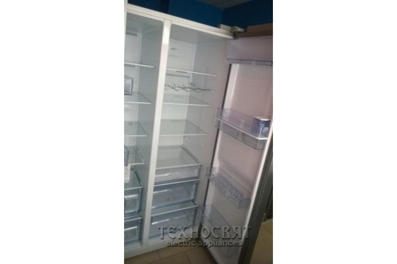 Хладилник с фризер BEKO GN 163221 X