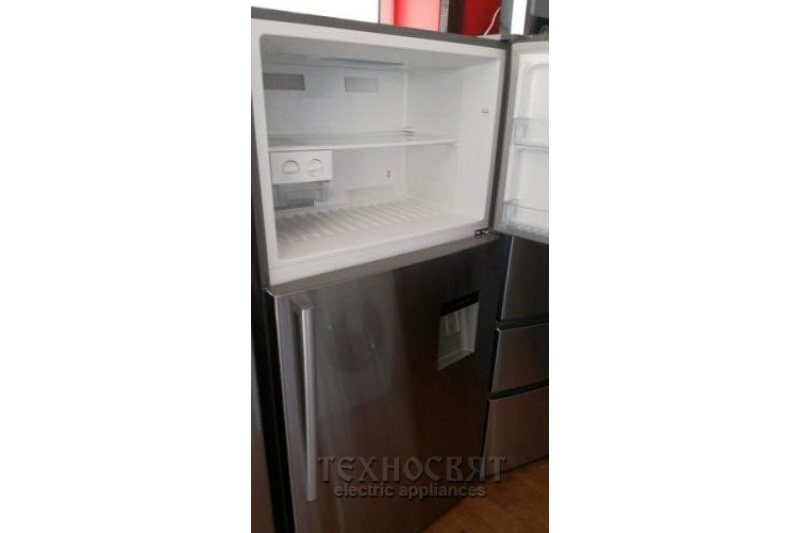 Хладилник с камера HISENSE RT709N4WS11
