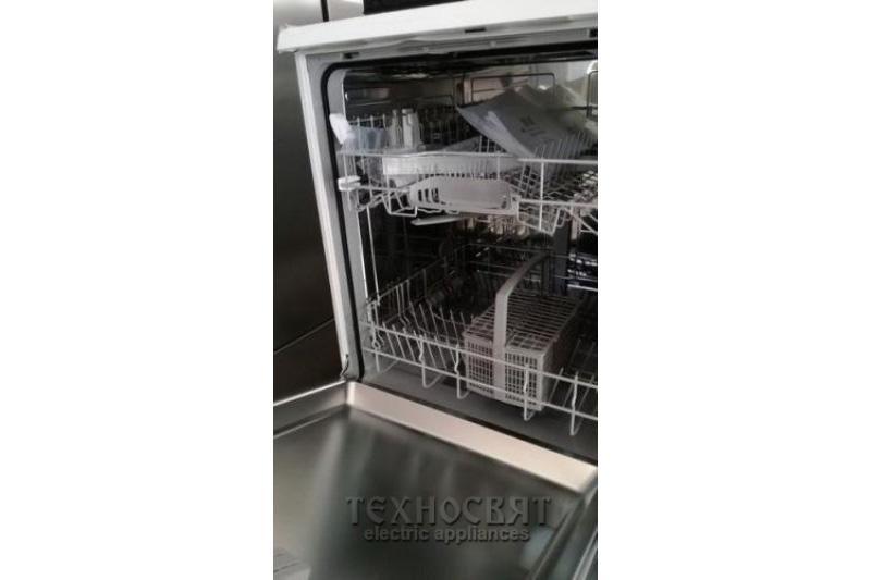Миялна машина BOSCH SMS50D32EU
