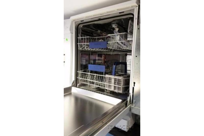 Съдомиялна Siemens SN25L230EU